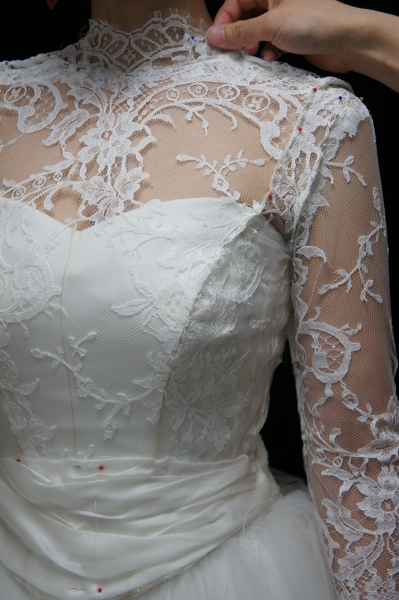 レース長袖のウェディングドレス08