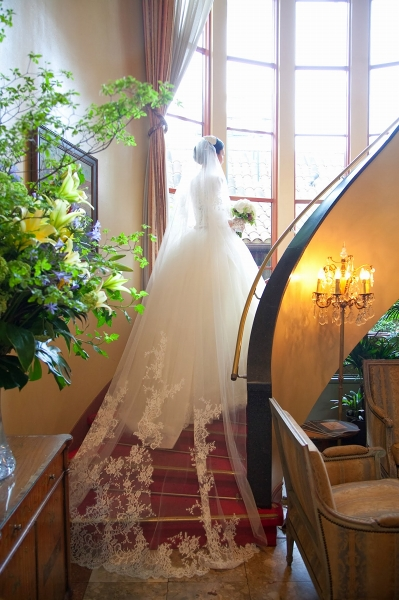 リストランテASOでの結婚式、レース長袖のウェディングドレス