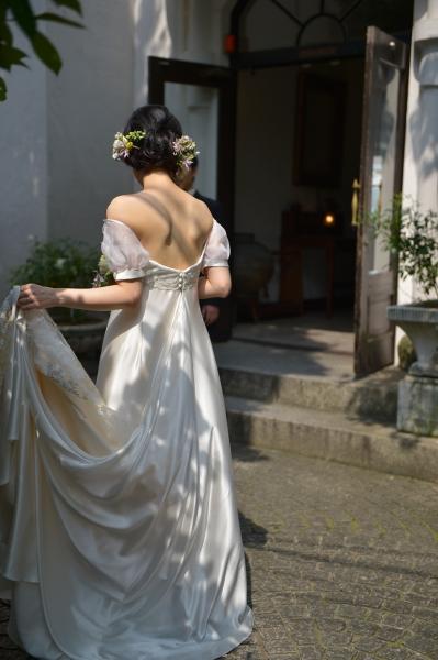 ジャルダンドルセーヌでの結婚式、ウェディングドレス