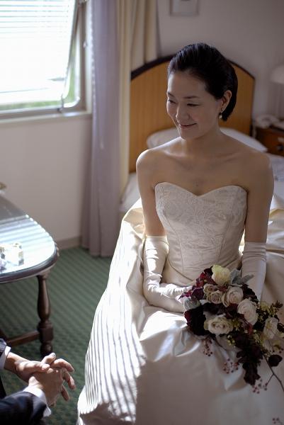 山の上ホテルの結婚式、ベージュのウェディングドレス