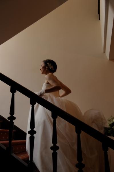 小笠原伯爵邸での結婚式、チュールスカート+ビスチェのウェディングドレス
