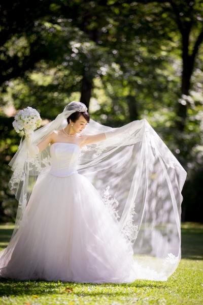 石の教会・内村鑑三記念堂での結婚式、ウェディングドレス