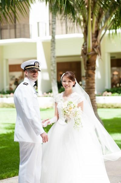 ハワイでの海外挙式のためのウェディングドレス